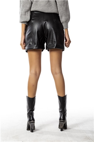 010134 HIGH RISE BELTED FAUX LEATHER SHORT BLACK