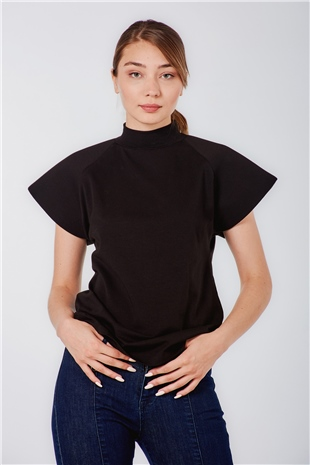 070255 PADDED SHOULDER REGLAN COTTON TEE BLACK